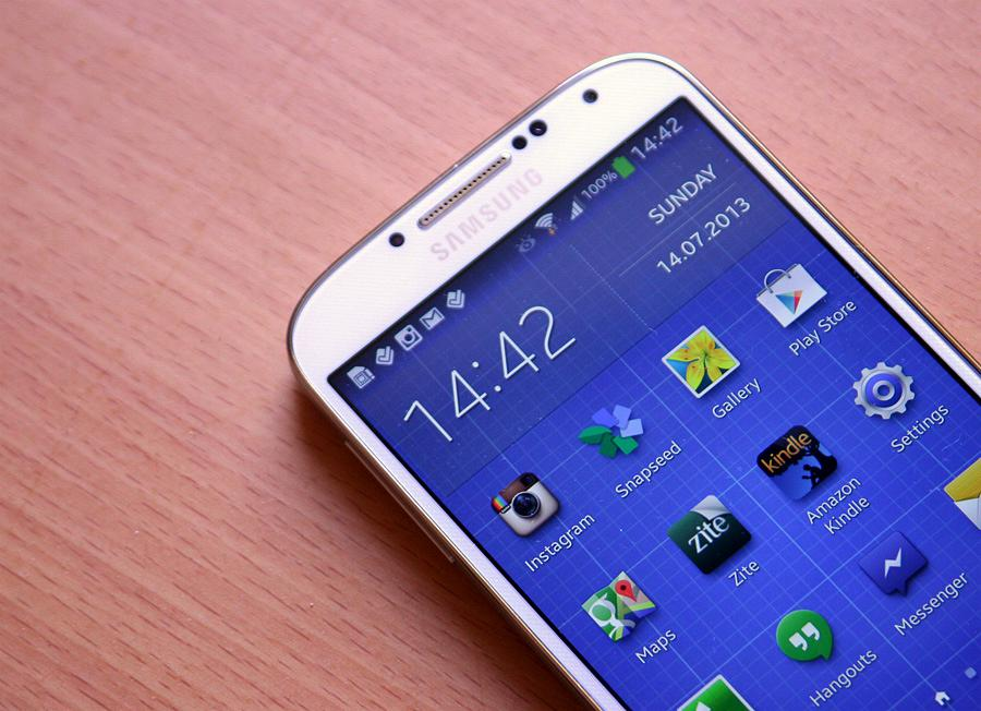samsungS4_Front03